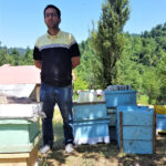 آقا مصطفی زنبوردار خوش اخلاق و پرانرژی