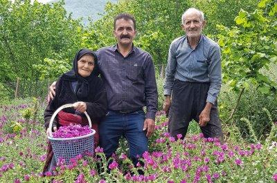 عمو قاسم و پدر و مادر