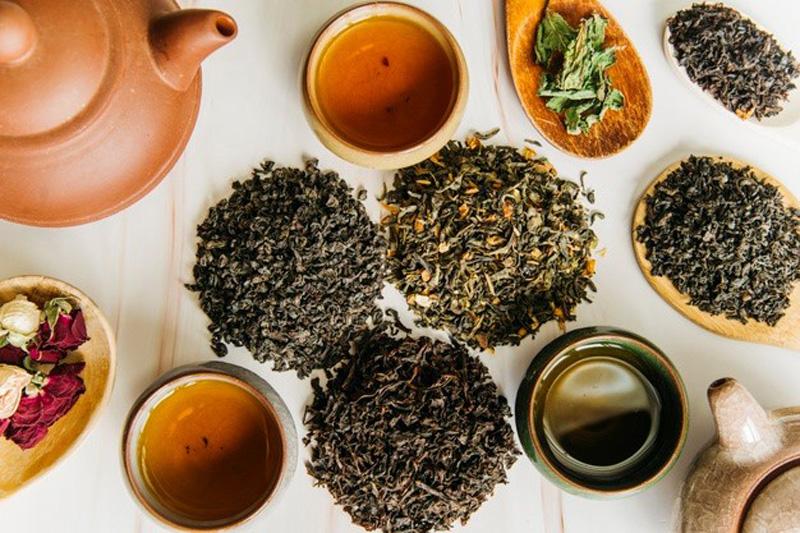 دم کردن چای ایرانی
