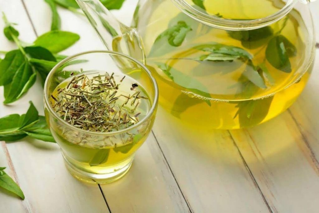 مصرف چای سبز در دوران بارداری توصیه میشود.