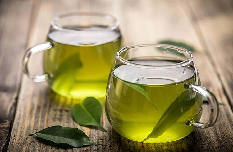 مصرف چای سبز موجب لاغری و تناسب اندام میشود.