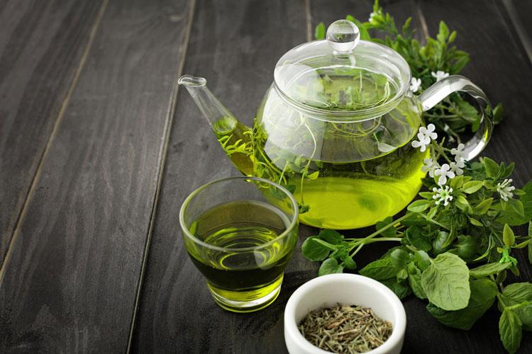 چای سبز باعث کاهش وزن میشود.