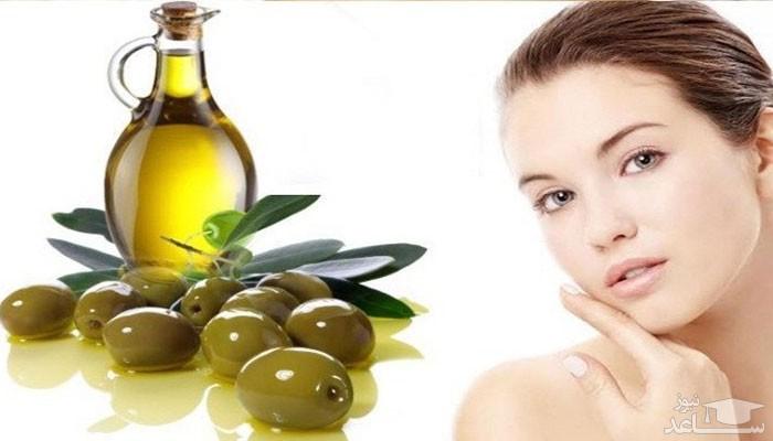 روغن زیتون برای پوست صورت بسیار مفید است.