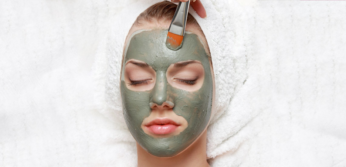 مساک عسل و زوغن زیتون یکی از انواع ماسکهای صورت به شمار میرود.