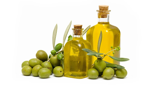 مصرف روغن زیتون باعث زیبایی و شادابی پوست میشود.