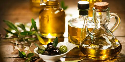 روغن زیتون سرشار مواد مغذی و سودمند برای حفظ سلامتی اعضای بدن است.