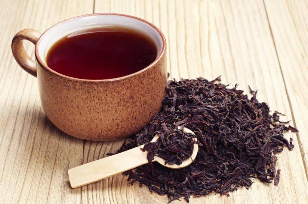مصرف چای طبیعی سیاه برای درمان غلظت خون بسیار مفید است.