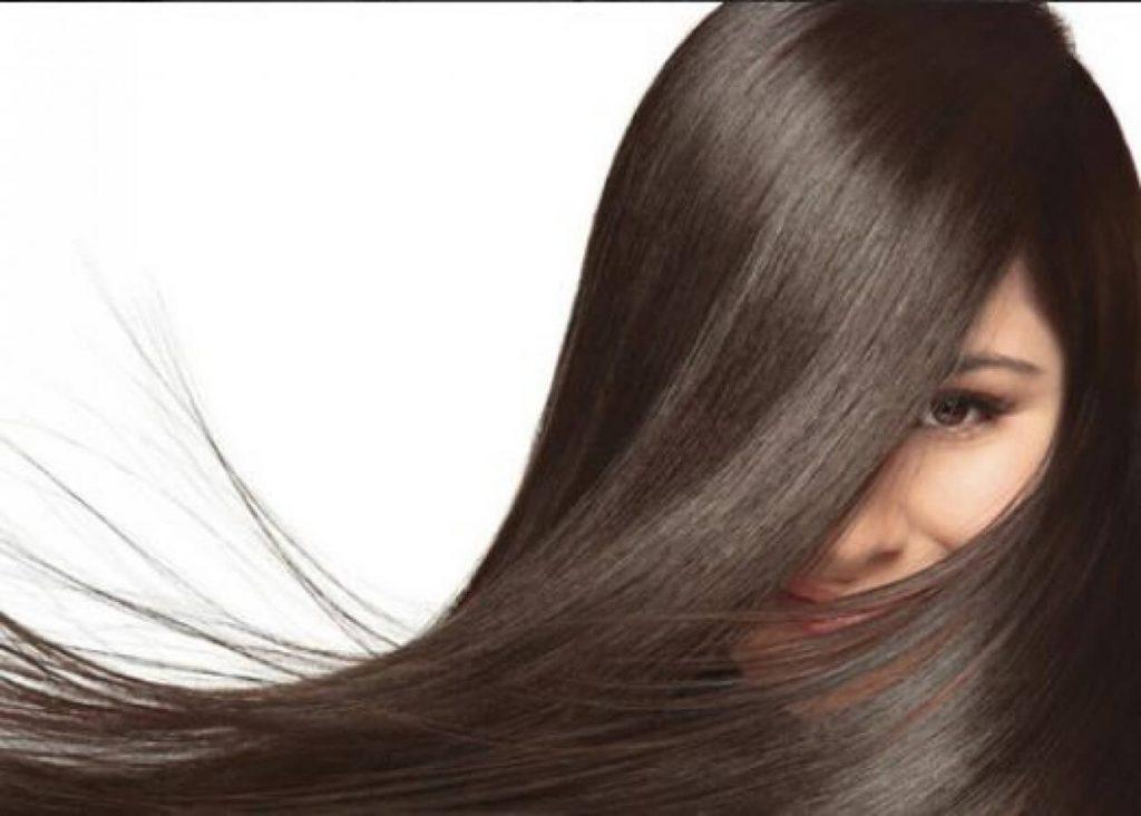 استفاده از چای سیاه برای نرمی و درخشندگی مو معجزه میکند.