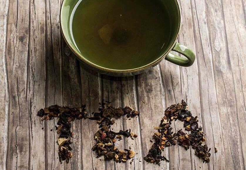 برای سلامت مو میتوان از ماسک چای سیاه کمک گرفت.
