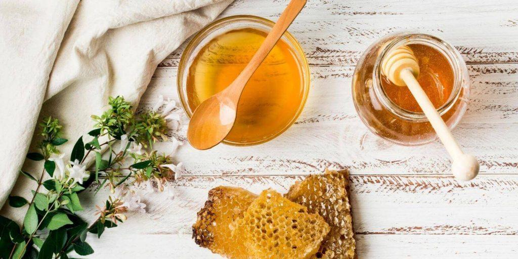 سرفه با عسل طبیعی به راحتی قابل درمان است