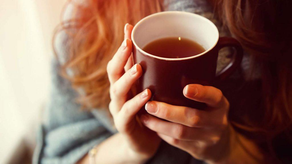 نوشیدن چای سیاه احتمال ابتلا به افسردگی را تا حد زیادی کاهش میدهد.