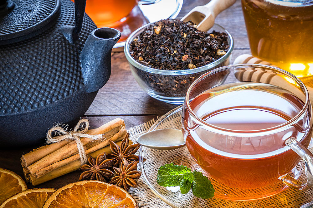 مصرف زیاد چای میتواند عوارض متعددی را برای بدن ایجاد کند.