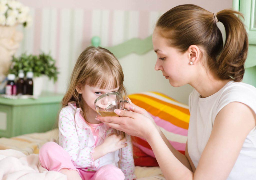 مصرف چای برای کودکان کمسن باید با مشورت پزشک انجام شود.