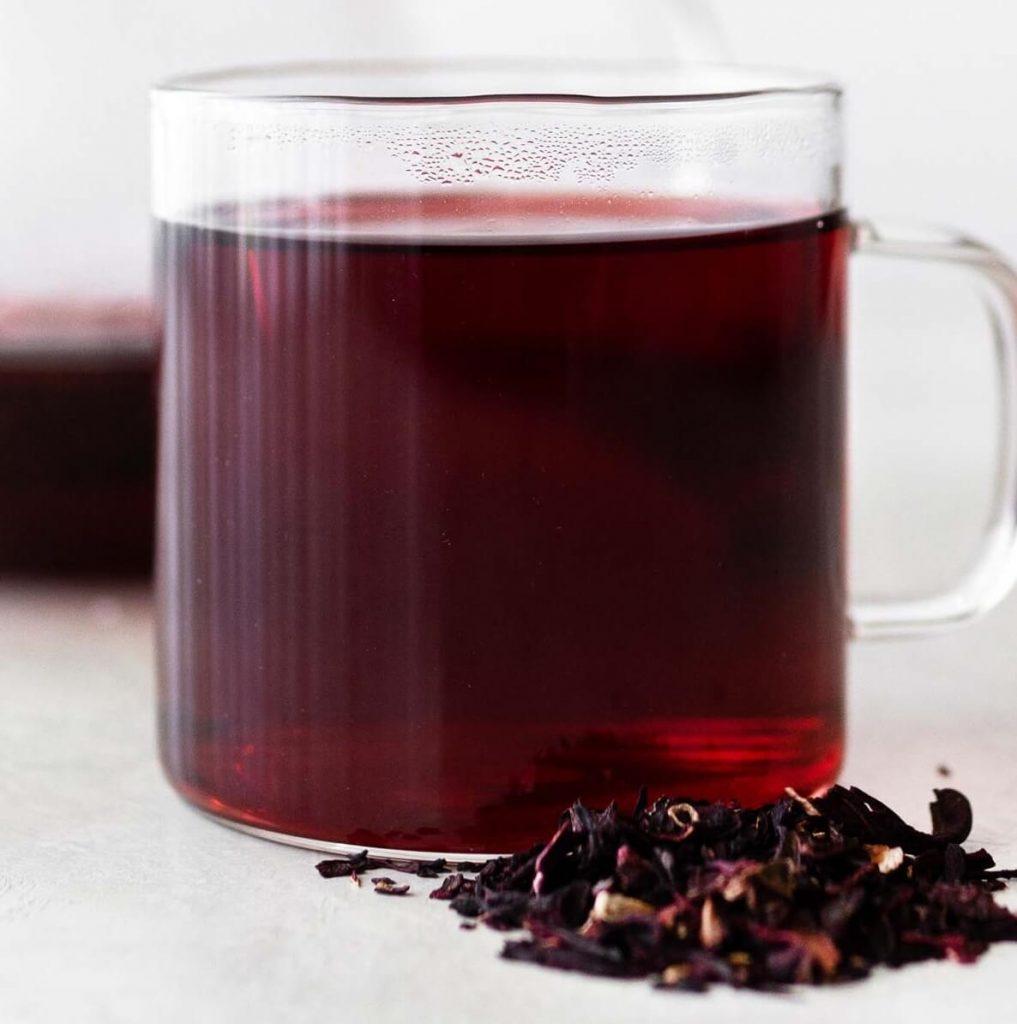 نوشیدن به اندازه چای به سلامت جسم و روح کمک میکند.