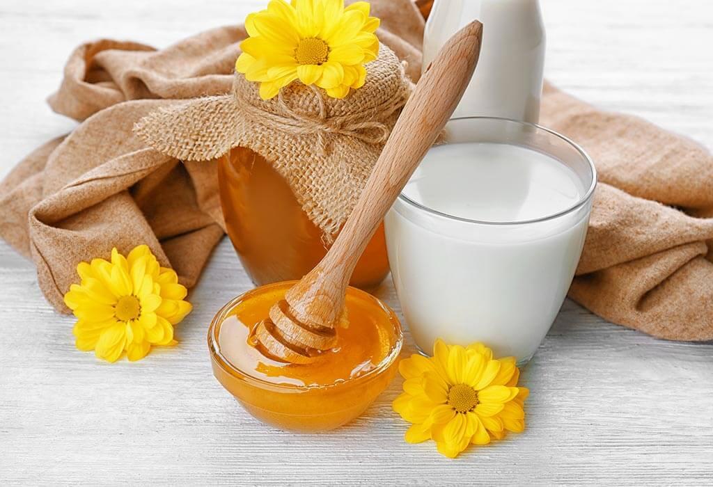 خوردن شیرگرم با عسل می تواند به بهبود معده درد کمک کند.