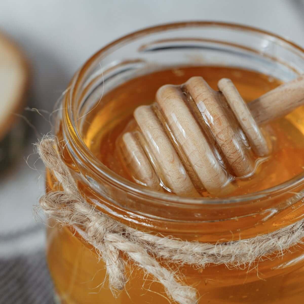 به جای استفاده از قرص و دارو از خوراکیهای طبیعی همچون عسل استفاده کنید.