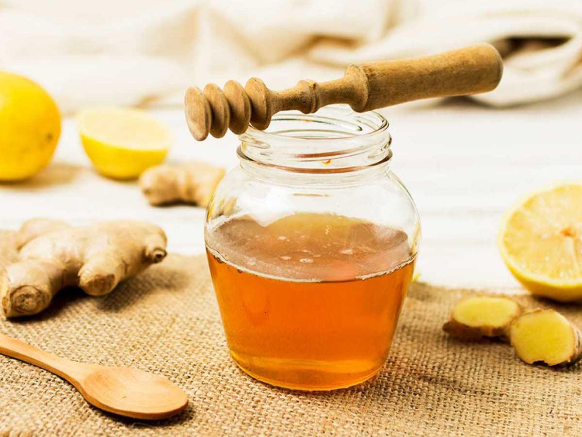 با استفاده از عسل طبیعی میتوان سرماخوردگی را درمان کرد.