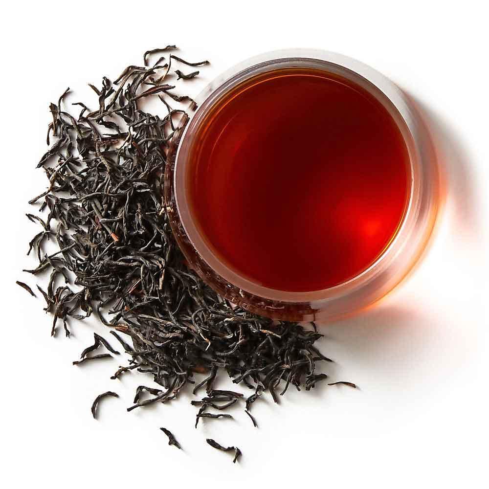 کافئین و تانن موجود در چای برای افرادی که سابقه بیماریهای قلبی دارند مضر میباشد.