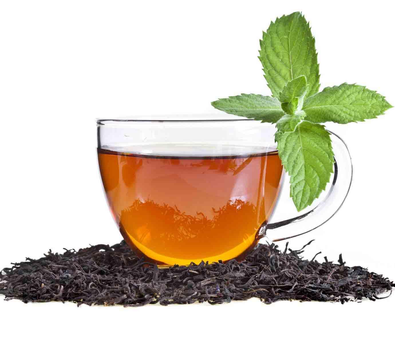 مصرف چای قبل از صبحانه در بانوان باردار موجب اختلال در گوارش میشود.