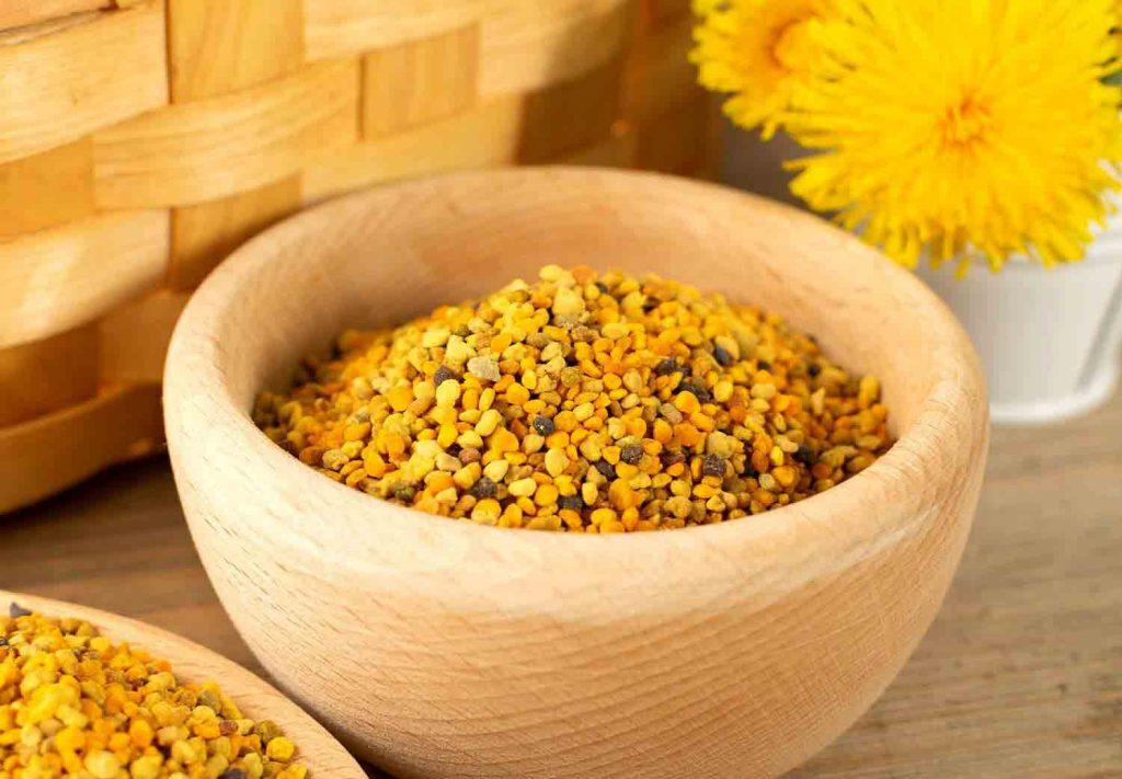 برخی از افراد نسبت به مصرف گرده گل حساسیت دارند.