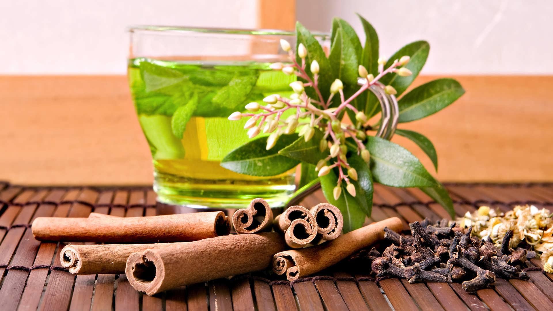 مصرف چای سبز برای پیشگیری از بیماریهای قلبی توصیه میشود.