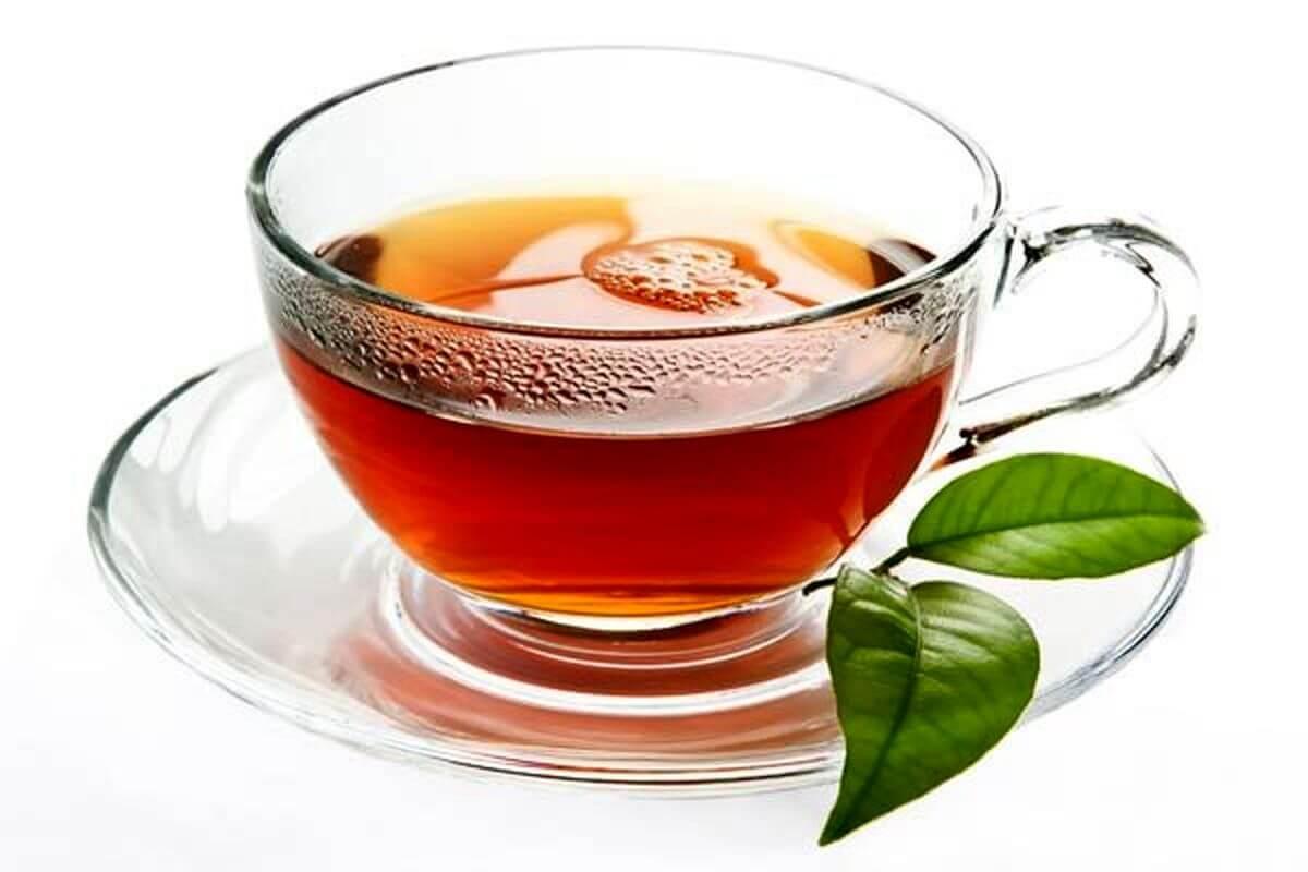 نوشیدن چای خستگی و استرس را از بدن دور میکند.