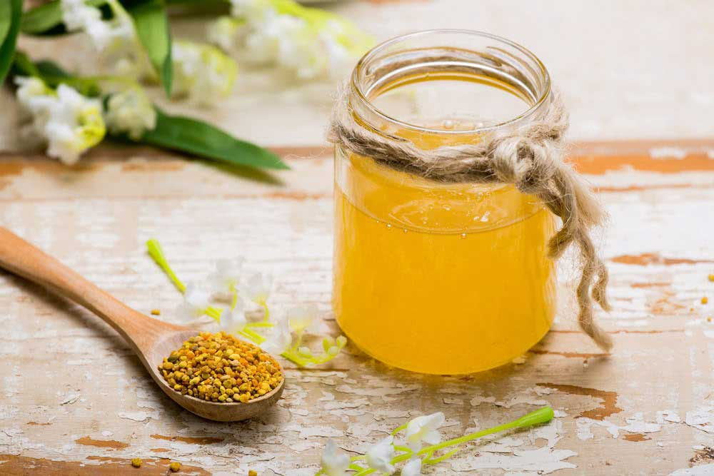 با مصرف برخی از مواد غذایی میتوانید طبع گرم گرده گل را خنثی کنید.
