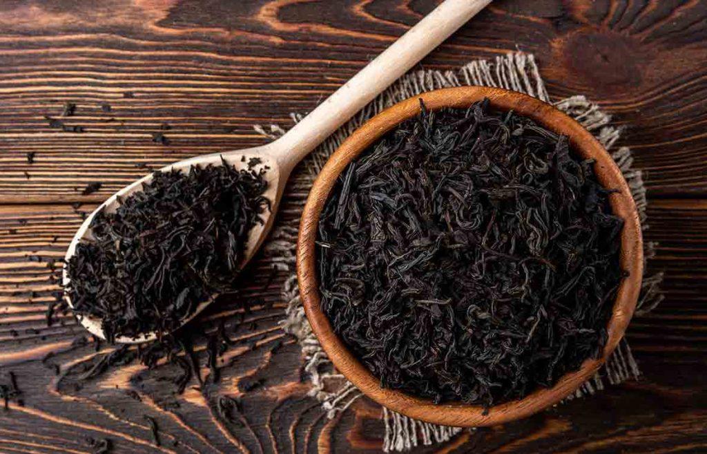 چای ممتاز در مقایسه با سرگل طعم ملایمتر و تلخی کمتری دارد.