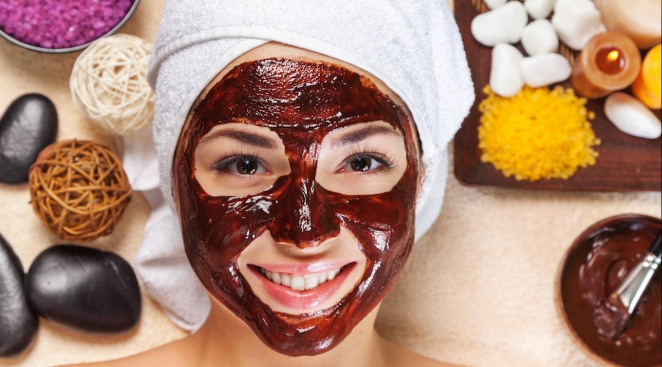 ماسک طبیعی در خیلی موارد قویتر از کرمهای مراقبتهای پوستی عمل میکند.