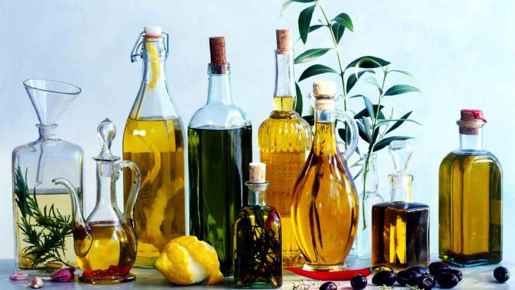 روغن زیتون باید از میوه زیتون به روش مکانیکی مانند پرس و سانتریفیوژ استخراج شود.