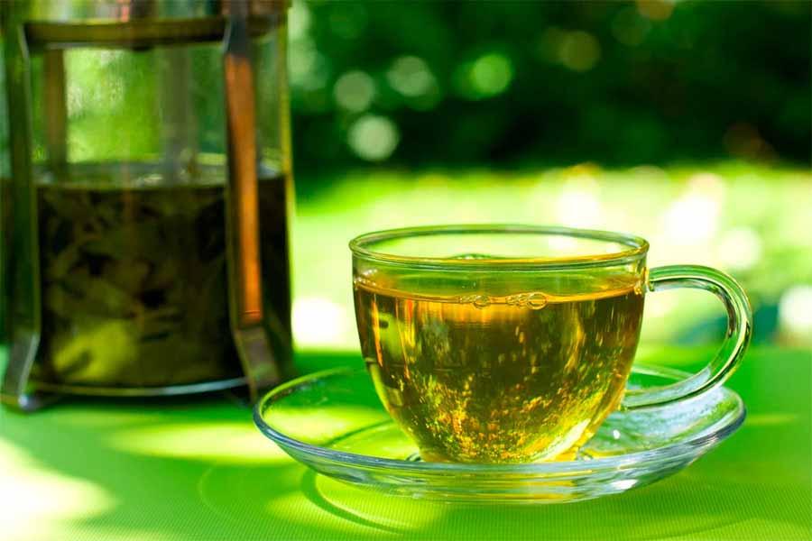 چای سبز فواید زیادی برای پوست و مو دارد.