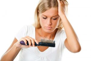 روغن پسته، پودر پسته و حتی ماسک پسته برای پوست و مو که اثربخشی بالایی در جلوگیری از ریزش دارند.