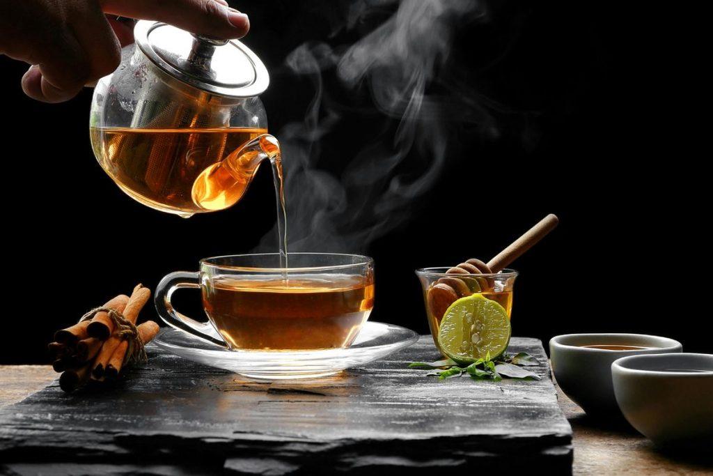 بهترین زمان مصرف چای یک یا دو ساعت قبل و بعد از وعده غذایی است.