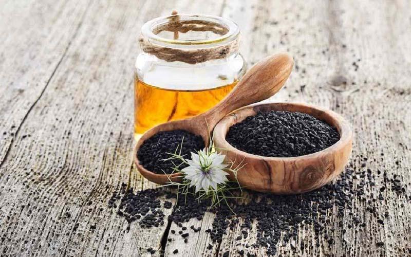 مصرف منظم سیاهدانه با عسل فشارخون، قندخون و کلسترول خون را کاهش میدهد.