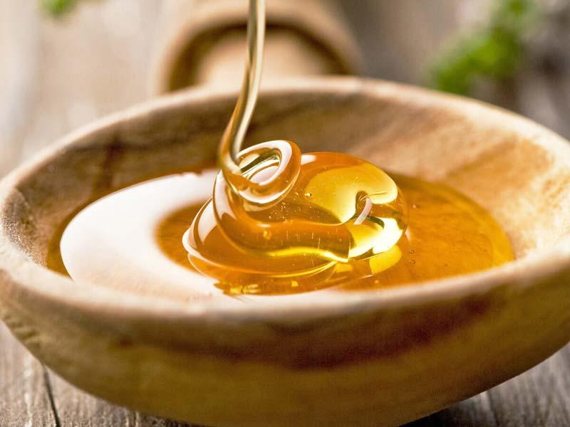 مقدار مصرفی عسل کوهی برای بزرگسالان بسته به شرایط جسمانی آنها دارد.