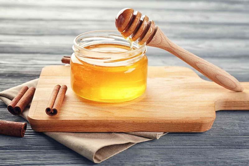 دارچین یکی از مواد موثر برای رفع التهاب و تقویت بدن محسوب میشود.