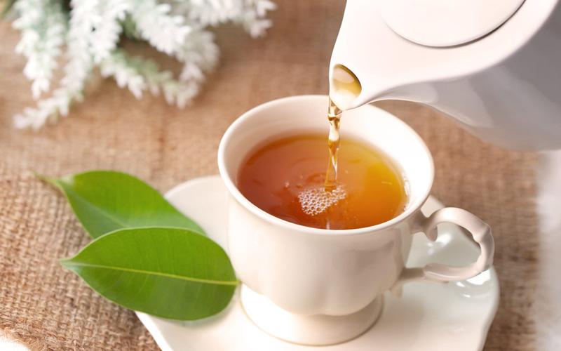 طبع چای گرم و خشک میباشد.