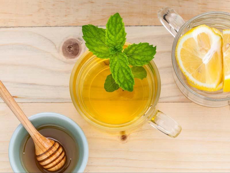 لیمو و عسل سرشار از ویتامین و مواد مغذی هستند و بینهایت فوایدی را به دنبال دارند.