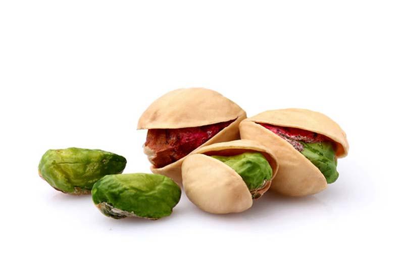 پسته کالری کمی داره و وزن بدن رو مدیریت و به بهبود هضم کمک میکنه.