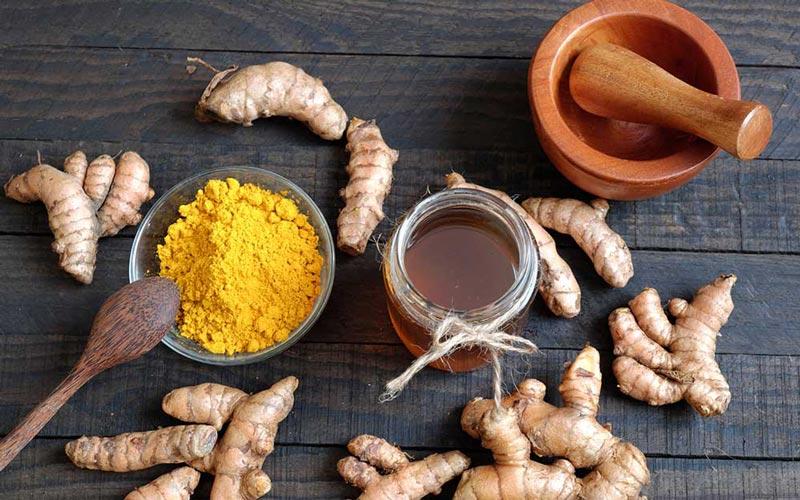ماسک عسل و دارچین و زردچوبه برای کاهش چین و چروک