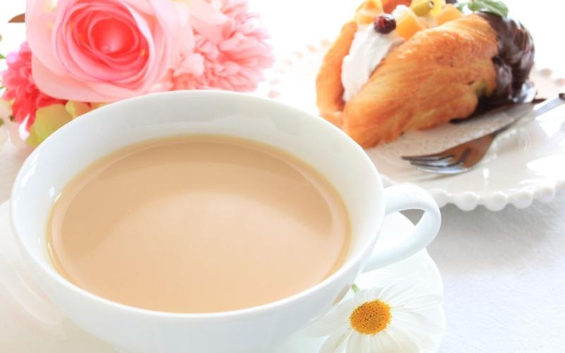مصرف شیر چای به افراد توصیه می شود.