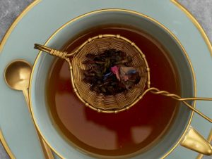 برای تهیه چای خوش طعم و خوش عطر به آب بدون املاح نیاز دارید.