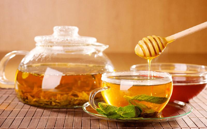 عسل و چای با هم با بیماریهای قلبی مبارزه میکنند.