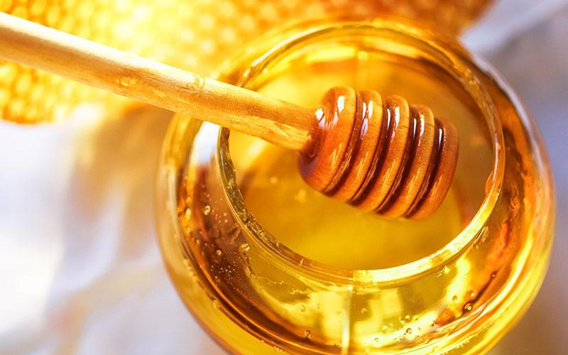 درمان کرونا با عسل ممکن است.