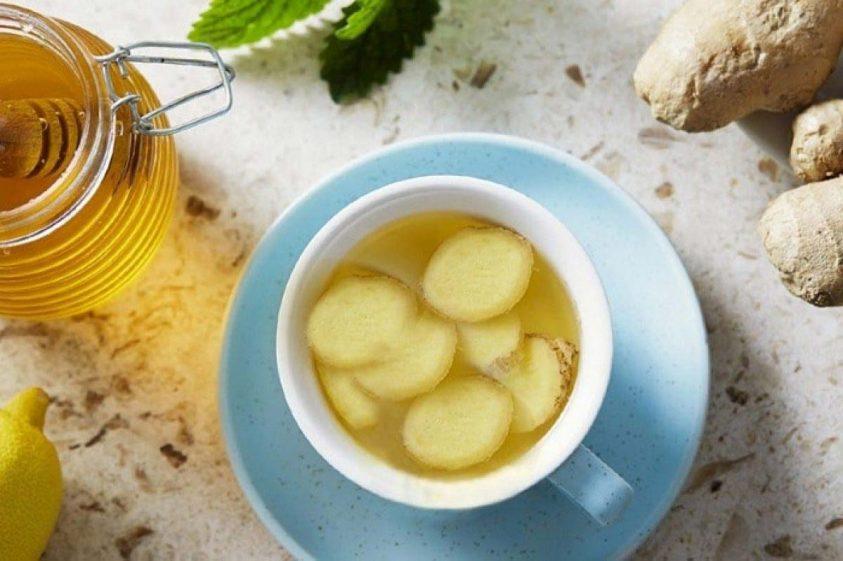 یکی از خواص عسل و زنجبیل درمان سرفه است.