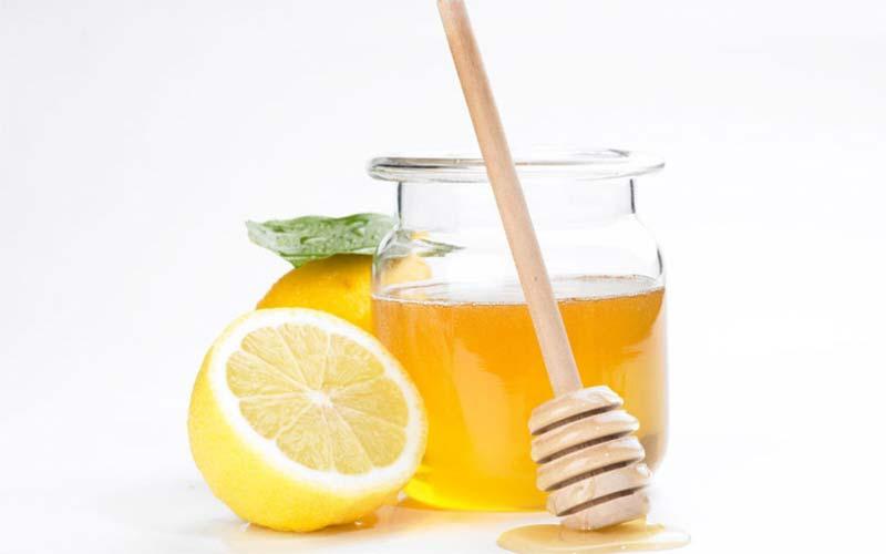 مواد موجود در شربت عسل و آبلیمو با خنثیسازی اثرات رادیکالهای آزاد بهعنوان یک تقویتکننده موثر برای کبد عمل میکند.